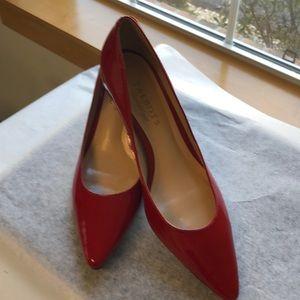 "88e6b2e6bb1a 👠Talbot red patent leather 2"" kitten heel pumps"